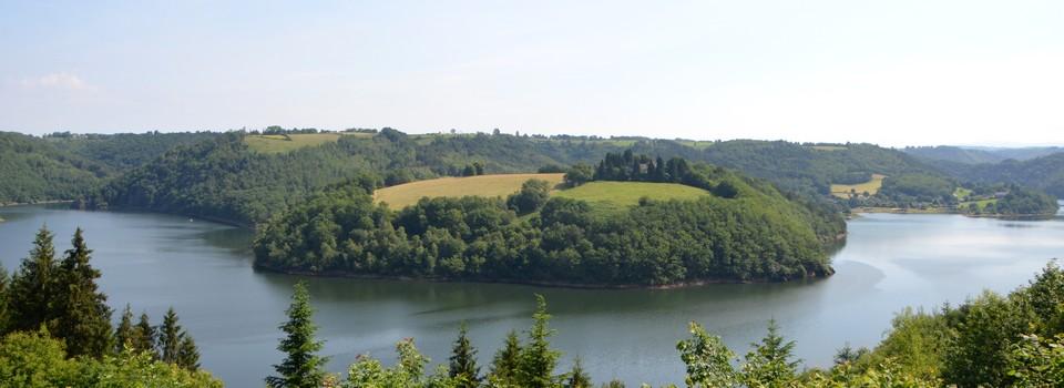 Lac d'Enchanet à Arnac